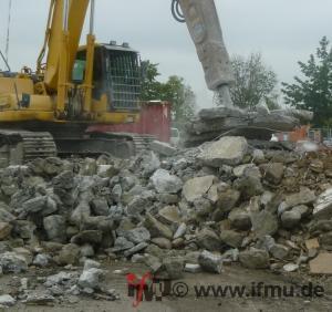 Zerkleinerung von mineralischer Bausubstanz am Anfallort