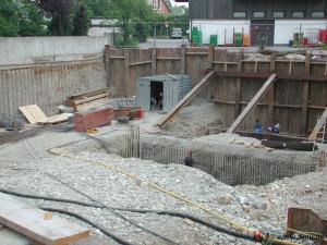 offene Baugrube mit Verbau