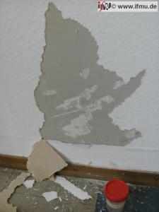 Untersuchung von Wandfarbe