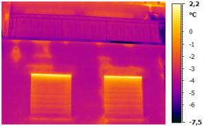 Thermografie an Gebäudehülle zum Aufspüren von Wärmebrücken und Undichtigkeiten