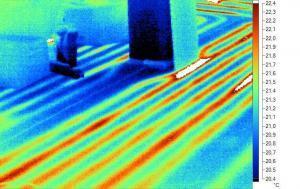 Thermografie zum Erkunden von Fußbodenheizleitungen